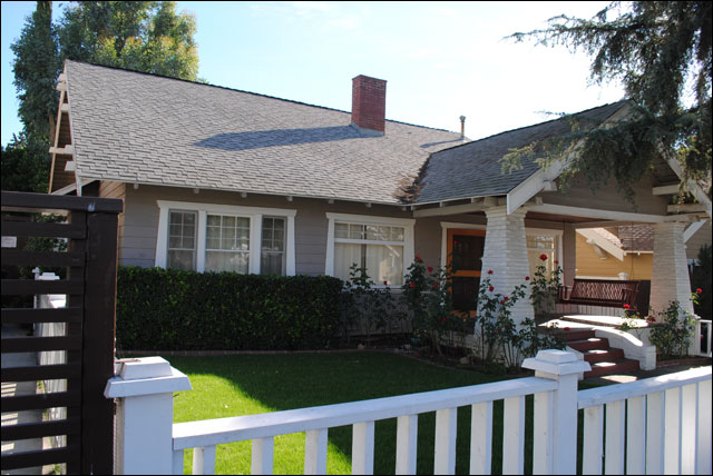 About bungalows what is a bungalow history architecture - What is a bungalow style home ...
